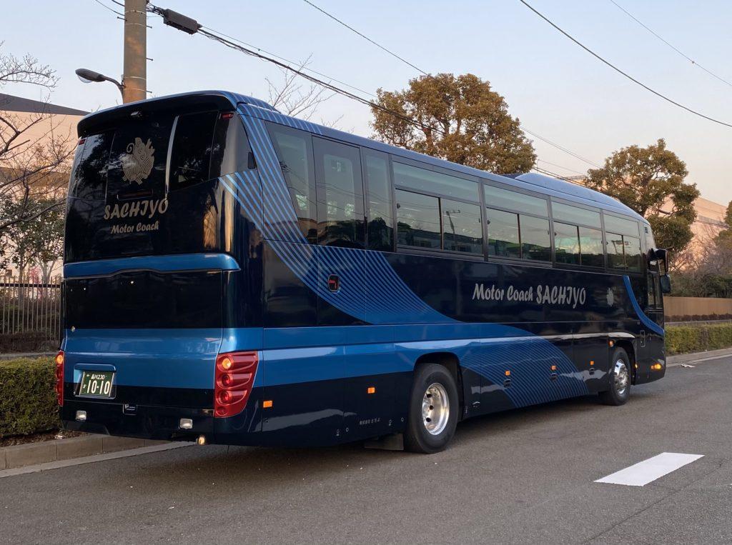 大型バス(LUXURY AGEHA)